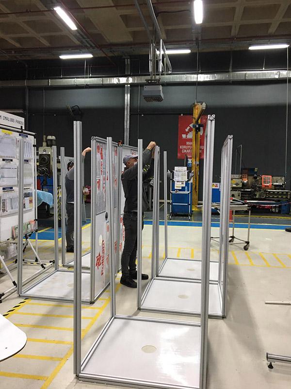 Türktraktör, Sağlık Çalışanları için Entübasyon ve Biyolojik Numune Alma Kabinleri Üretiyor